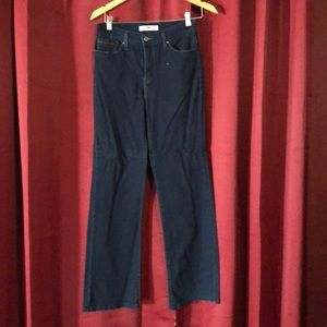 NWOT. Levi's bootcut Sz 10 perfectly slimming